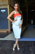 Malaika Arora Khan snapped in Mumbai on 17th April 2016 (2)_5714749f26468.JPG