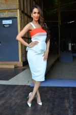 Malaika Arora Khan snapped in Mumbai on 17th April 2016 (5)_571474e2aada9.JPG
