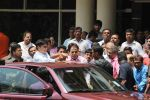 Dilip Kumar discharged from hospital on 21st April 2016 (14)_571a02a7e7db6.JPG