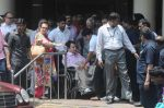 Dilip Kumar discharged from hospital on 21st April 2016 (15)_571a02af46afb.JPG