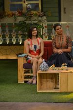 Prachi Desai, Lara Dutta at the promotion of Azhar on location of The Kapil Sharma Show on 22nd April 2016 (111)_571b606fd01f8.JPG