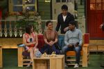 Prachi Desai, Lara Dutta at the promotion of Azhar on location of The Kapil Sharma Show on 22nd April 2016 (116)_571b650696711.JPG