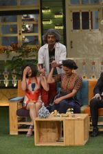 Prachi Desai, Lara Dutta at the promotion of Azhar on location of The Kapil Sharma Show on 22nd April 2016 (50)_571b6063220c8.JPG