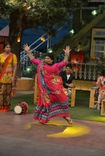 at the promotion of Azhar on location of The Kapil Sharma Show on 22nd April 2016 (122)_571b5cd082602.JPG