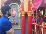 Akshay Oberoi visited the famous Ghanteshwar Hanuman Temple in Mumbai to seek blessings for his film Laal Rang on 22nd April 2016 (1)_5726fa60bd064.jpg