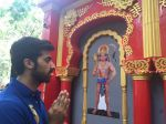 Akshay Oberoi visited the famous Ghanteshwar Hanuman Temple in Mumbai to seek blessings for his film Laal Rang on 22nd April 2016 (6)_5726fa8c69257.jpg