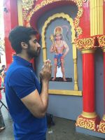 Akshay Oberoi visited the famous Ghanteshwar Hanuman Temple in Mumbai to seek blessings for his film Laal Rang on 22nd April 2016 (7)_5726fa9e29fed.jpg