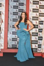 Aishwarya Rai Bachchan celebrates 15 years at Cannes launches Inflammable collection for Loreal (26)_57288a70a02fe.JPG