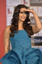 Aishwarya Rai Bachchan celebrates 15 years at Cannes launches Inflammable collection for Loreal (5)_57288a85523c8.JPG