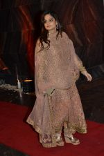 Alvira Khan at Bipasha Basu and Karan Singh Grover_s Wedding Reception on 30th April 2016 (344)_57282158bbc34.JPG