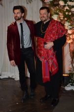 Neil Mukesh, Nitin Mukesh at Bipasha Basu and Karan Singh Grover_s Wedding Reception on 30th April 2016 (182)_5728286d4d2eb.JPG