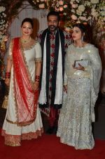Rocky S at Bipasha Basu and Karan Singh Grover_s Wedding Reception on 30th April 2016 (46)_57282e47abc33.JPG