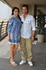 Shraddha Kapoor and Tiger Shroff photo shoot for Baaghi promotions (63)_57288cf9cef66.JPG