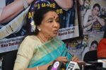 Asha Bhosle announced her farewell tour in uk at magnahouse on 5th May 2016 (2)_572deed61e628.JPG