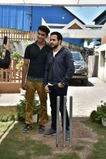 Emraan Hashmi on location of Badi Door Se Aye Hain on 6th May 2016 (35)_572e1c7a81af0.JPG