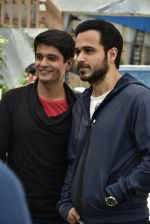 Emraan Hashmi on location of Badi Door Se Aye Hain on 6th May 2016 (36)_572e1c7b2717b.JPG