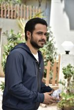 Emraan Hashmi on location of Badi Door Se Aye Hain on 6th May 2016 (38)_572e1c7c77479.JPG