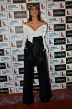 Sonam Kapoor unveils her Cannes look by L_Oreal on 6th May 2016 (25)_572dfcc3f2ce7.JPG