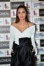 Sonam Kapoor unveils her Cannes look by L_Oreal on 6th May 2016 (30)_572dfcc81bd3a.JPG