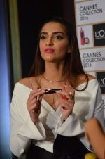 Sonam Kapoor unveils her Cannes look by L_Oreal on 6th May 2016 (41)_572dfcd0315f9.JPG