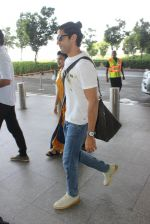 Farhan Akhtar snapped at airport on 7th April 2016