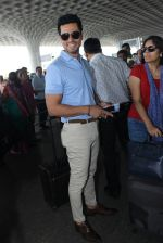Randeep Hooda snapped at airport on 7th April 2016