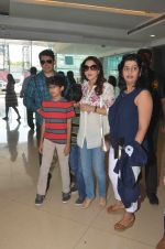 Madhuri Dixit, Sriram Nene at Beauty and Beast screening on 8th May 2016 (18)_57317fabdf007.JPG