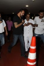 Sanjay Dutt snapped at airport on 8th May 2016 (10)_573185a10ecd4.JPG