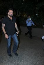 Sanjay Dutt snapped at airport on 8th May 2016 (12)_573185a295ab2.JPG