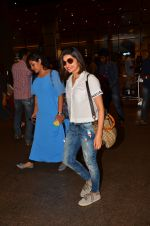 Prachi Desai snapped at airport in Mumbai on 10th May 2016