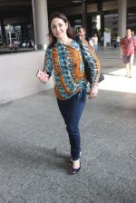 Anjali Tendulkar snapped at airport on 11th May 2016 on 11th May 2016 (5)_573428d81afdd.JPG