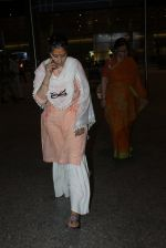Manisha Koirala snapped at airport on 11th May 2016 on 11th May 2016 (11)_573428e530818.JPG