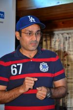 Virendra Sehwag meet n greet at tap bar in Mumbai on 11th May 2016 (17)_57342e07aae9b.JPG