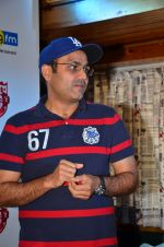 Virendra Sehwag meet n greet at tap bar in Mumbai on 11th May 2016 (18)_57342e086ad4e.JPG