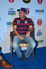 Virendra Sehwag meet n greet at tap bar in Mumbai on 11th May 2016 (21)_57342e0a62e68.JPG