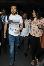 Emraan Hashmi snapped at airport in Mumbai on 12th May 2016 (84)_5735a685d0f2d.JPG
