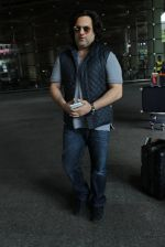 Fardeen Khan snapped at airport in Mumbai on 12th May 2016 (73)_5735a68736d3b.JPG