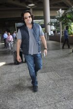 Fardeen Khan snapped at airport in Mumbai on 12th May 2016 (75)_5735a68ab9425.JPG