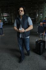 Fardeen Khan snapped at airport in Mumbai on 12th May 2016 (74)_5735a68904ec3.JPG