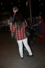 Preity zinta with husband snapped in Mumbai on 12th May 2016 (17)_5735a7485f42f.JPG