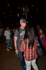 Preity zinta with husband snapped in Mumbai on 12th May 2016 (4)_5735a73cd7126.JPG