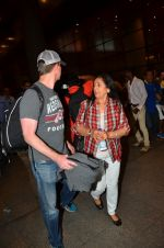 Preity zinta with husband snapped in Mumbai on 12th May 2016 (5)_5735a73db1a74.JPG