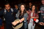 Preity zinta with husband snapped in Mumbai on 12th May 2016 (9)_5735a740b0d64.JPG