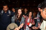 Preity zinta with husband snapped in Mumbai on 12th May 2016 (10)_5735a74176029.JPG