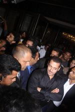 Salman Khan at Preity Zinta Wedding Reception in Mumbai on 13th May 2016