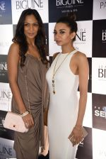 Shamita Singha and Ira Dubey at JCB show in Mumbai on 12th May 2016