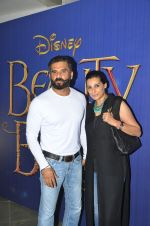Sunil SHetty, Mana Shetty at Beauty n beast screening on 13th May 2016