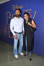 Sunil SHetty, Mana Shetty at Beauty n beast screening on 13th May 2016 (14)_5736d6269971e.JPG