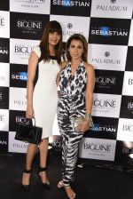 Svetlana Casper and Ritu Shivpuri at JCB show in Mumbai on 12th May 2016