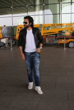 Jackky Bhagnani snapped at airport on 14th May 2016
